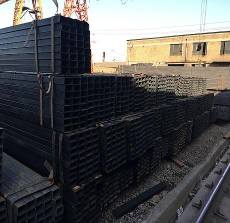 Q195 Q235 ERW Rectangular Tube Steel Square Tube Black Iron Pipe Price